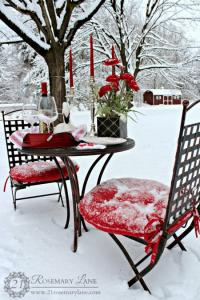 outside-valentine-tablescape-ideas2