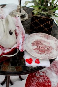 outside-valentine-tablescape-ideas6