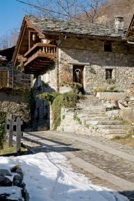 cozy-chalet-style-italian-house1