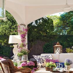 spanish-house-full-of-flowers-and-light4