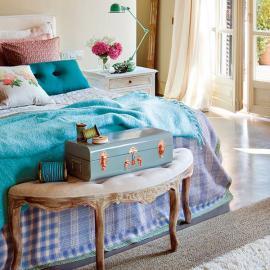 charming-vintage-feminine-bedroom1