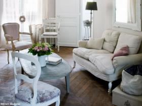 small-livingroom-30-french-ideas12