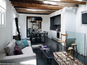 small-livingroom-30-french-ideas23