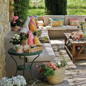 easy-update-porches-with-white-furniture1-7