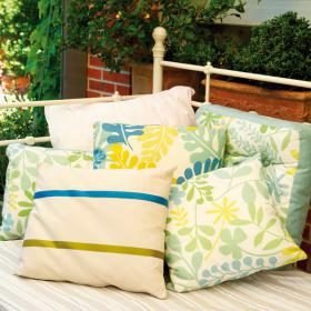 easy-update-porches-with-white-furniture2-2