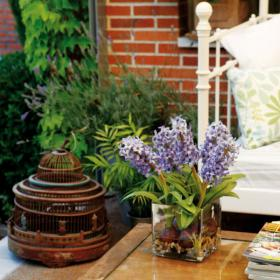 easy-update-porches-with-white-furniture2-5