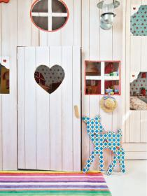 little-house-in-attic-kidsroom13