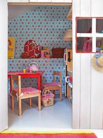 little-house-in-attic-kidsroom2