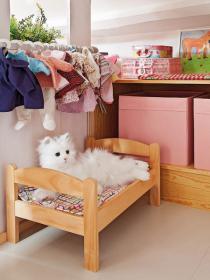 little-house-in-attic-kidsroom4
