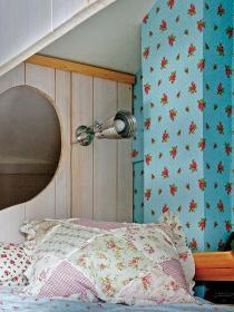 little-house-in-attic-kidsroom9