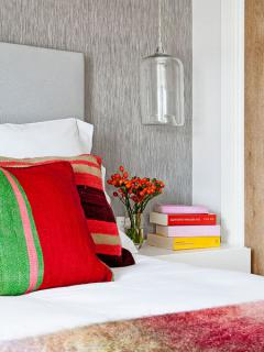 mini-duplex-loft-for-woman-bedr2