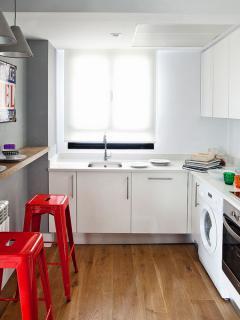 mini-duplex-loft-for-woman-kitch1