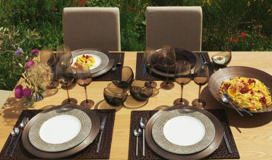 summer-dinnerware-ideas-by-alinea5