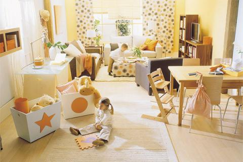 livingroom-for-childrens-and-parents2