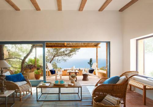 inspiring-livingrooms-with-panoramic-windows10