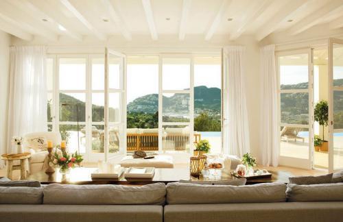 inspiring-livingrooms-with-panoramic-windows9
