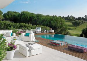 outdoor-livingrooms-12-inspiring-solutions12