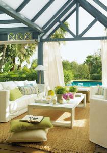outdoor-livingrooms-12-inspiring-solutions4