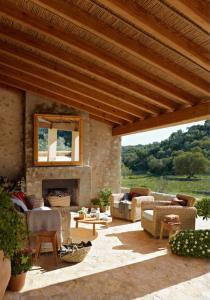 outdoor-livingrooms-12-inspiring-solutions5