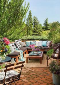 outdoor-livingrooms-12-inspiring-solutions6