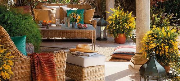 spanish-house-with-cozy-gazebo1