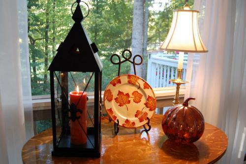 autumn-decor-to-one-porch3