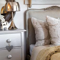rustic-style-in-urban-bedroom1-1