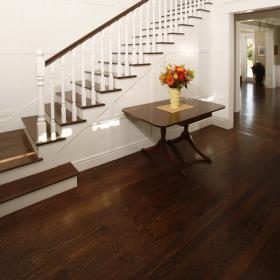 dark-wood-flooring-harmonious-furniture4-2