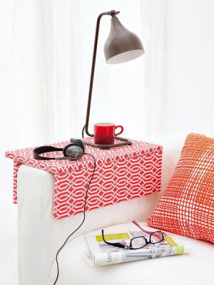 diy-couch-arm-table