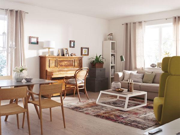 built-podium-in-livingroom-update-story-before