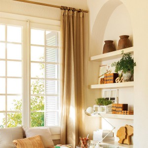 fast-makeup-and-well-ordered-in-family-livingroom5