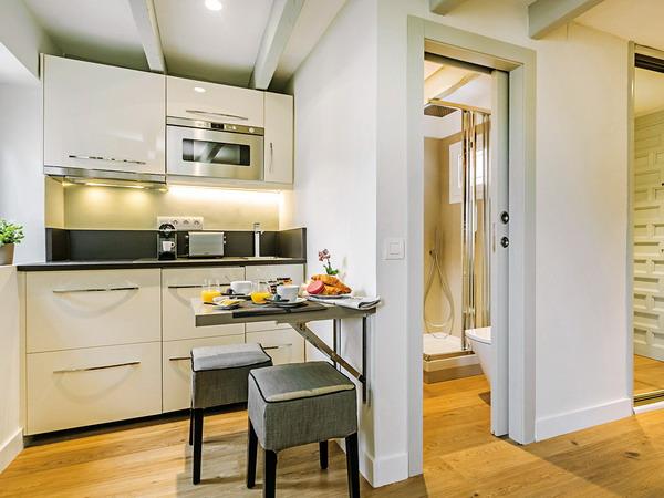 tiny-attic-apartment-makeover2-1