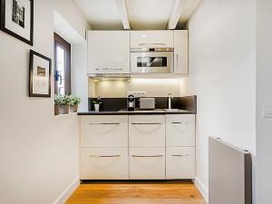 tiny-attic-apartment-makeover2-2