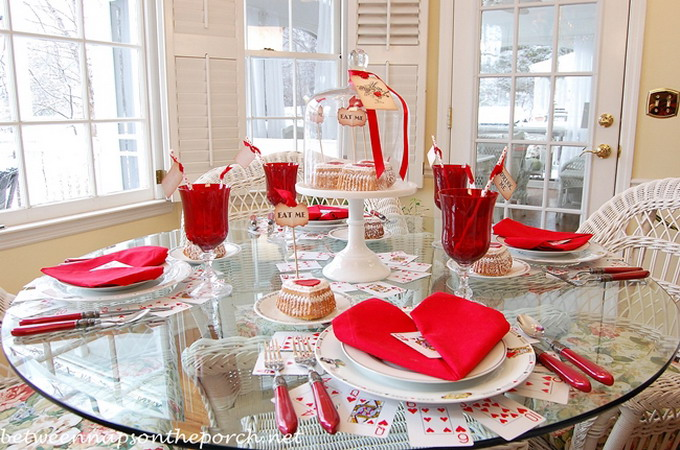 alice-in-wonderland-valentine-day-table-setting1