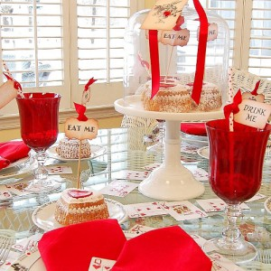 alice-in-wonderland-valentine-day-table-setting6
