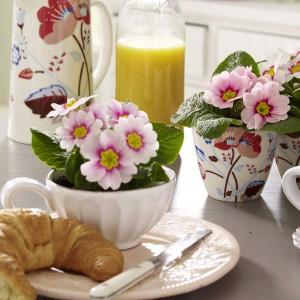 spring-flowers-creative-vases3-1-1