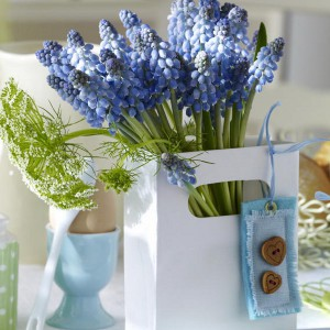 spring-flowers-creative-vases7-1-1