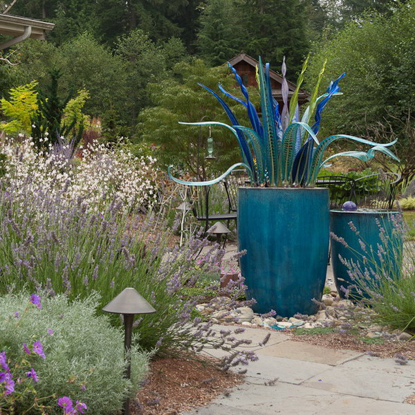creative-use-large-pots-and-containers-in-garden