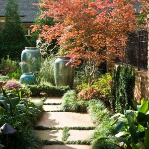 creative-use-large-pots-and-containers-in-garden12-1