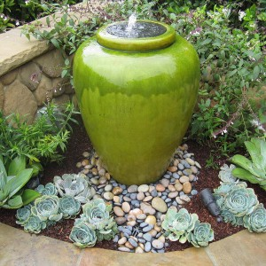 creative-use-large-pots-and-containers-in-garden20-1