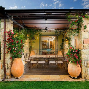 creative-use-large-pots-and-containers-in-garden25-1