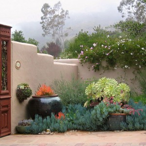 creative-use-large-pots-and-containers-in-garden6-2