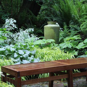 creative-use-large-pots-and-containers-in-garden8-2