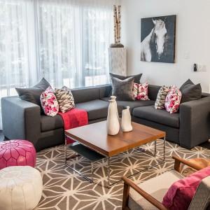 reasons-to-choose-gray-sofa2-1