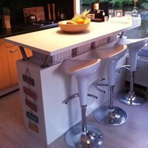 smart-concealed-kitchen-storage-spaces16-2