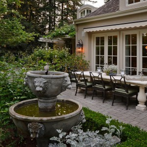 how-to-choose-fountain-for-your-garden1-1