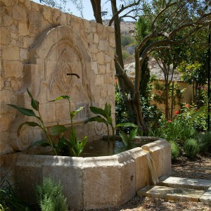 how-to-choose-fountain-for-your-garden17-2