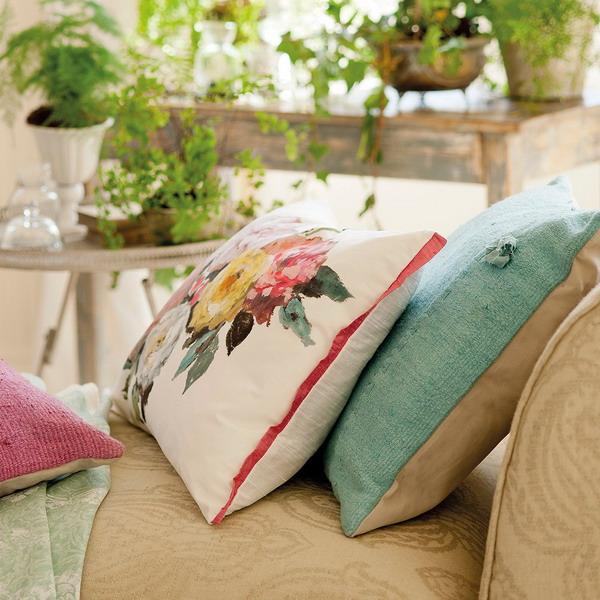 how-to-extend-springtime-in-livingroom2