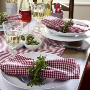 veggies-and-herbs-creative-tablescape-ideas1-2