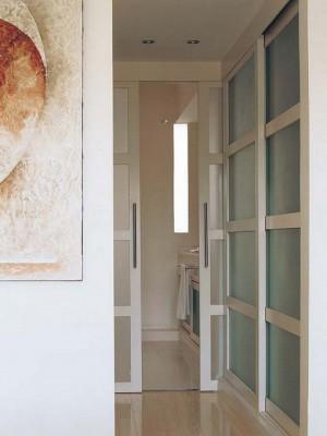 long-hallway-decorating-ideas2-2